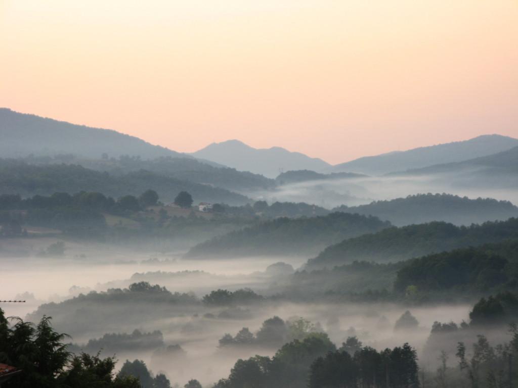 La valle del fiume Amato vista dal Monte Reventino