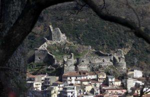 Il castello visto da un'altra angolazione.