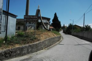 Ingresso a Rocca Falluca