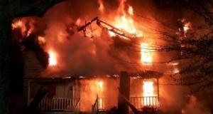 Paura a Laccio, casa distrutta da un incendio