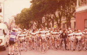 La partenza di una cicloturistica