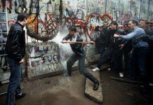 caduta-del-muro-3