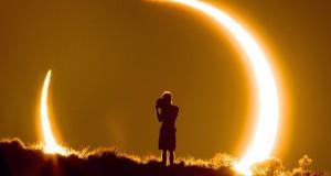 """Vedere l'eclissi da un'altra """"Ottica""""…"""