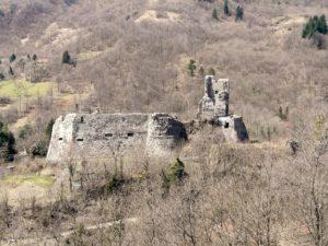 1280px-Torriglia-castello