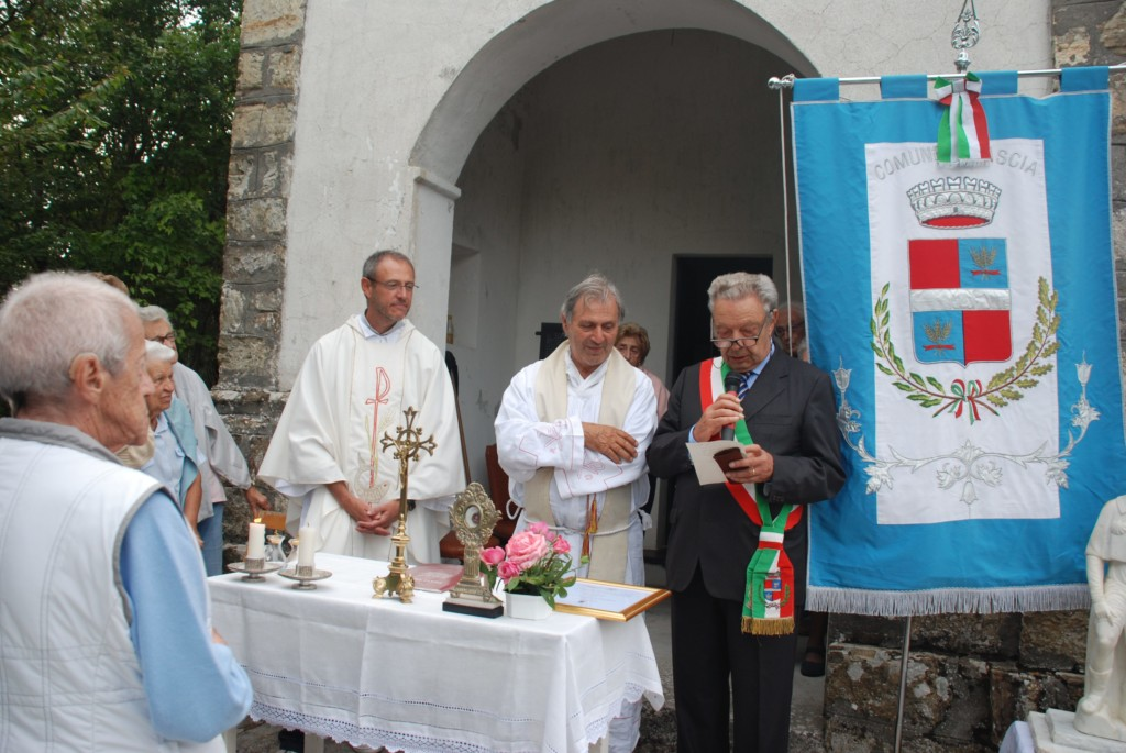Fascia, cittadinanza onoraria a Don Pietro Cazzulo