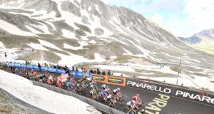 Giro d'Italia, Yates dominio sul Gran Sasso