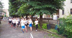 Corsa campestre femminile presso l'Istituto Tortona B