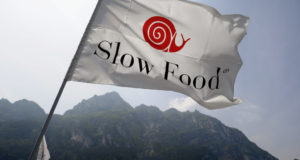 Slow Food Italia: «Prima di acquistare pensiamo cosa c'è dietro ad un prezzo troppo basso»